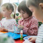 Вторая серия мастер-классов «Добрая Открытка» прошла сразу в двух группах детского сада «Рябинка».