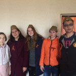 Волонтеры фонда «Родные Острова» поздравили ветеранов Невельского городского округа с Днем Победы.