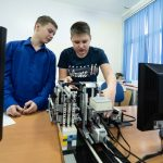 2 дополнительные группы для занятий робототехникой открылись в Южно-Сахалинске.