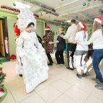 Праздничным концертом завершился проект «Добрая Открытка» в Южно-Сахалинске.