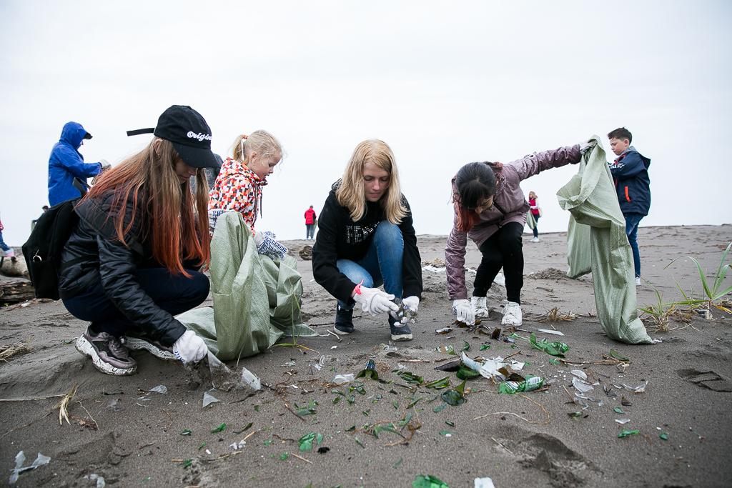 400 добровольцев и 35 тонн мусора. Акция