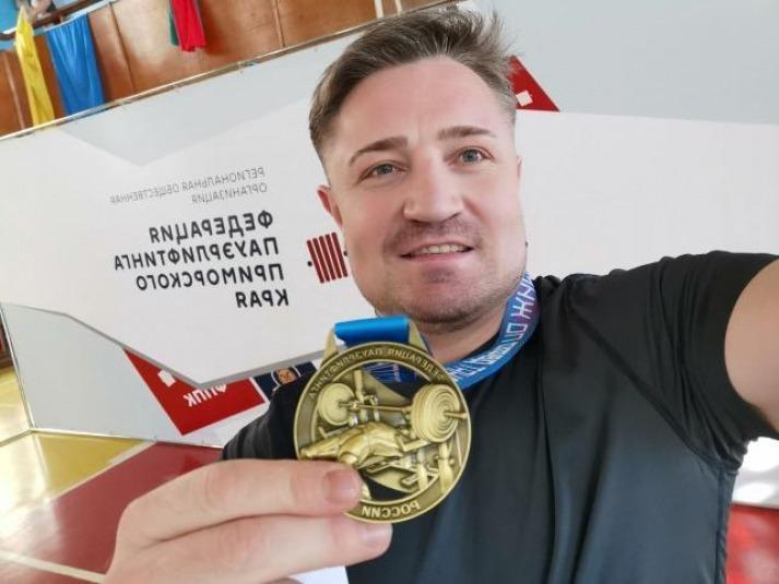 Корсаковец Иван Смирнов завоевал два